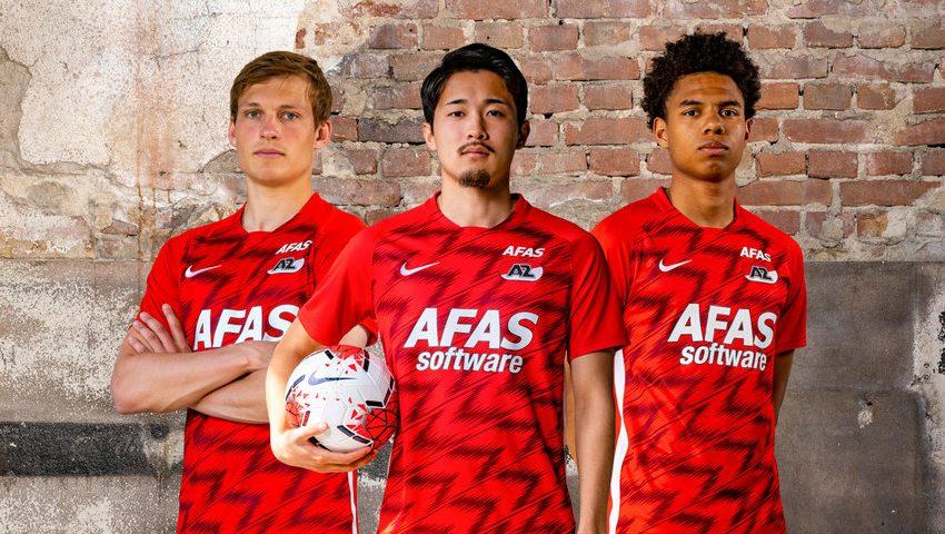 Nike e AZ Alkmaar divulgam os uniformes para a próxima temporada