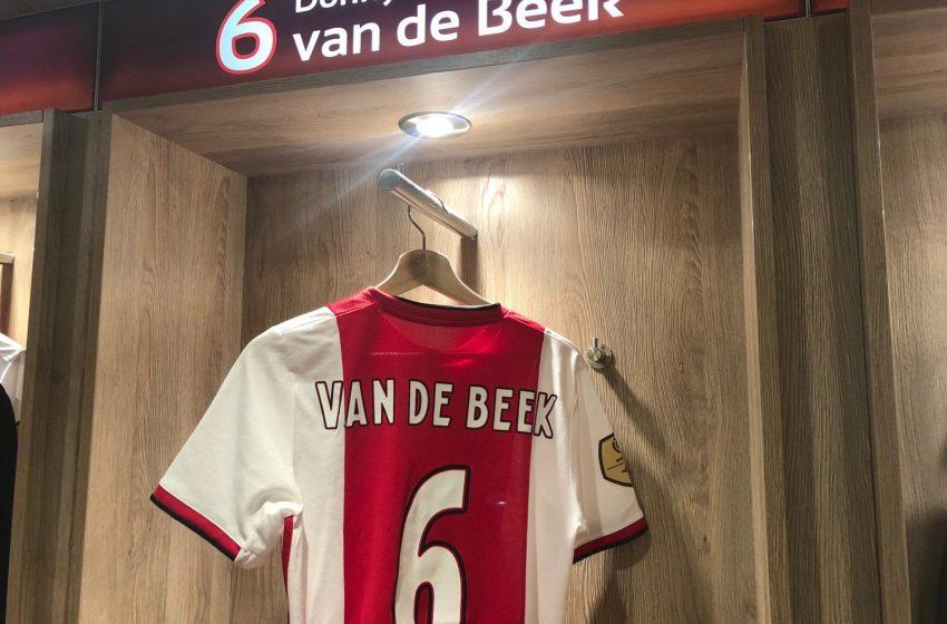 Donny van de Beek muito próximo de assinar com o Manchester United