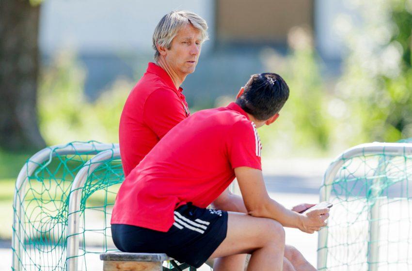 Venda de jogadores não é prioridade no Ajax, diz diretor