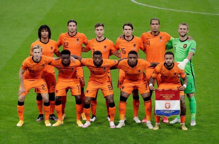 Seleção holandesa sobe uma posição no ranking da FIFA