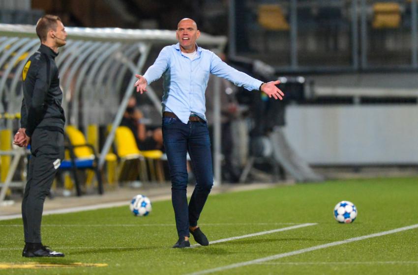 Jurgen Streppel suspenso por uma partida