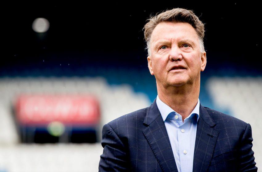Louis van Gaal informa que optará por jogadores mais prontos, nesse momento
