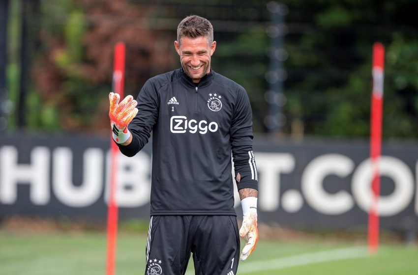 Maarten Stekelenburg de volta ao gol do Ajax diante da AS Roma