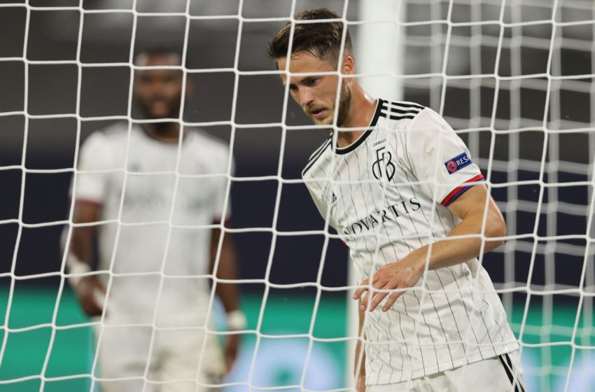 Ricky van Wolfswinkel renova com o FC Basel