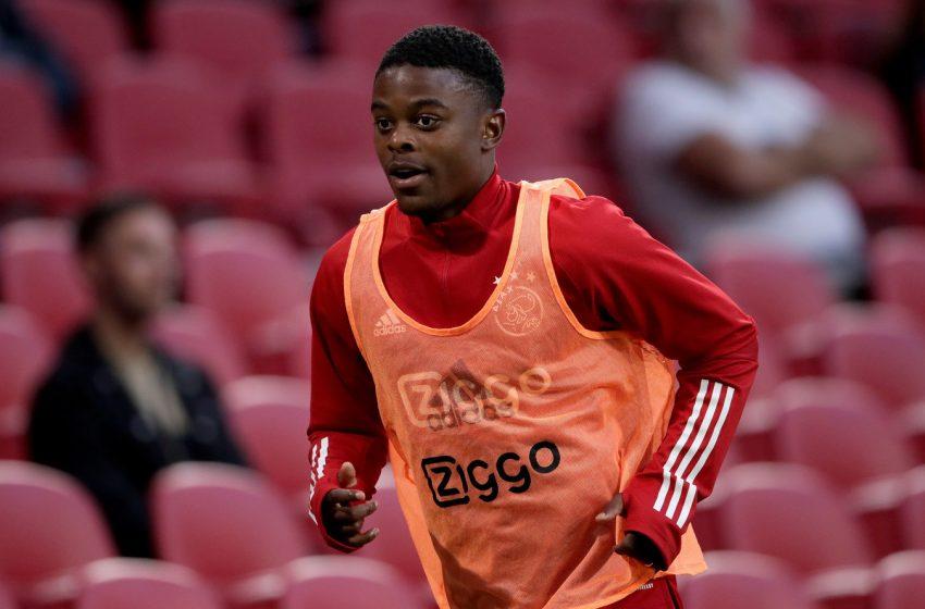Ajax renova contrato de Sontje Hansen por duas temporadas