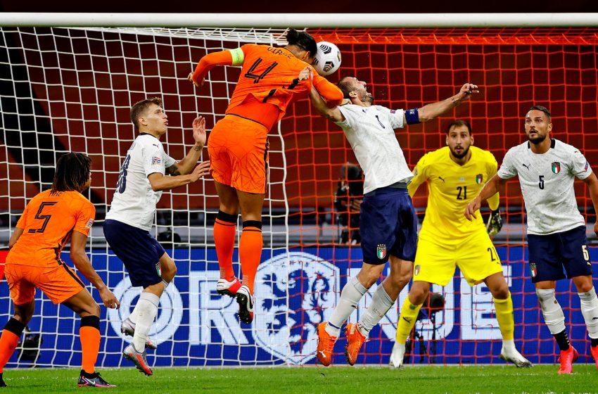Holanda protagoniza um dos piores jogos dos últimos anos e perde em casa para a Itália