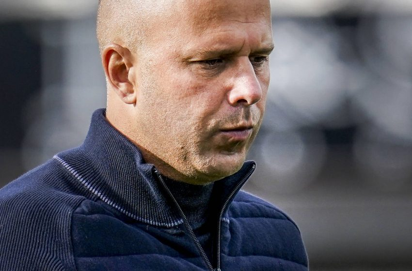 AZ Alkmaar viaja para Itália sem treze jogadores infectados pelo COVID-19