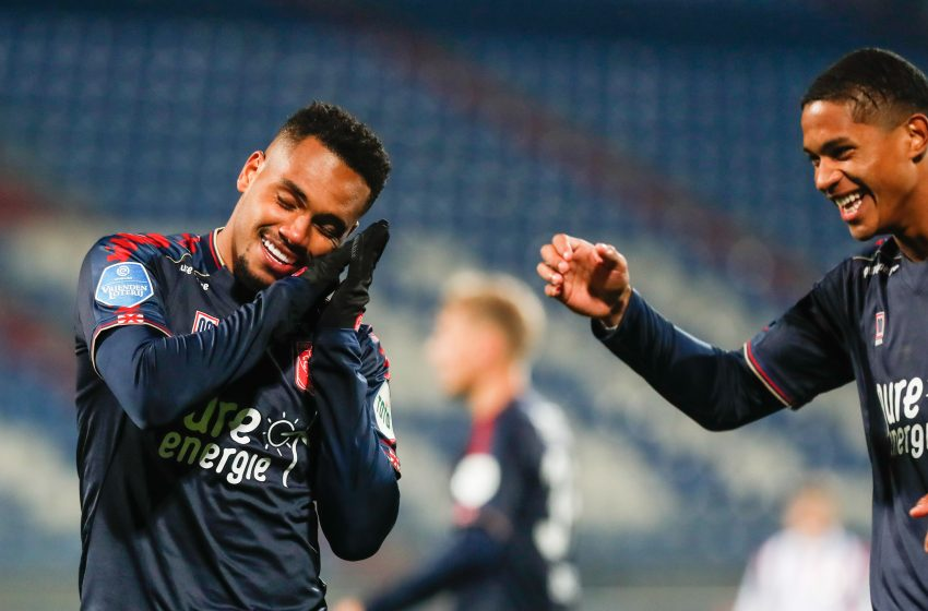 Danilo Pereira marca duas vezes, FC Twente bate Willem II e assume a liderança da Eredivisie