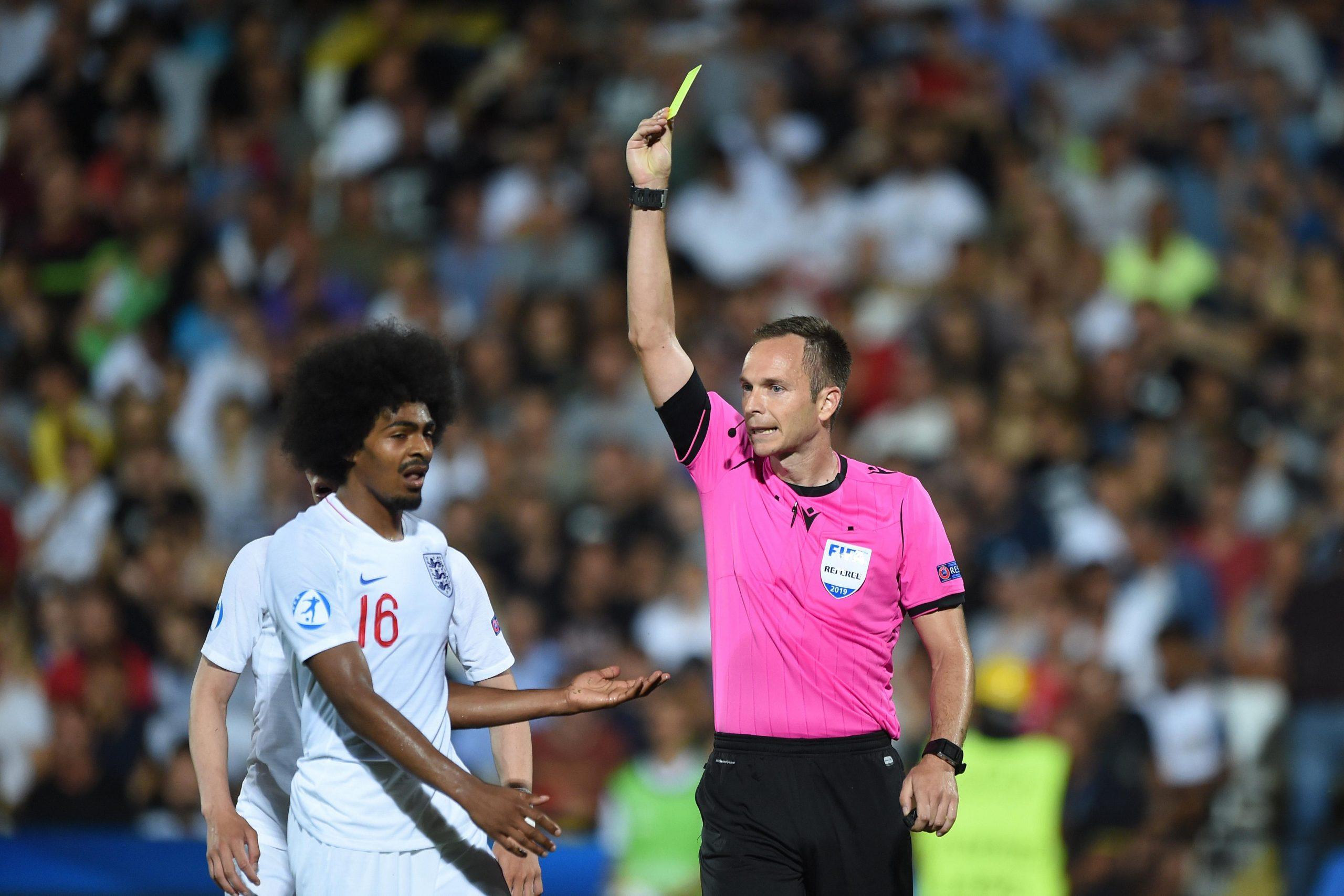 Confira a escala de árbitros para os jogos dos holandeses na UEFA Europa League