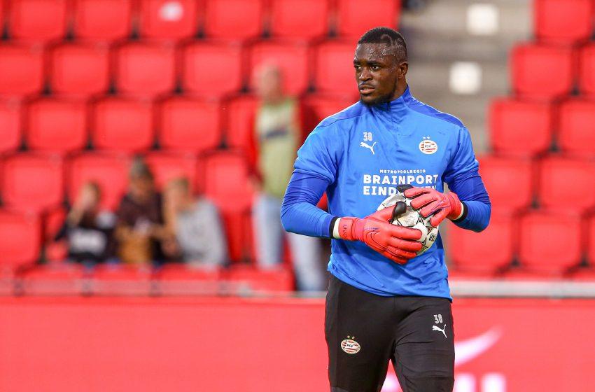 Yvon Mvogo quer disputar com Joël Drommel a titularidade no gol do PSV na próxima temporada