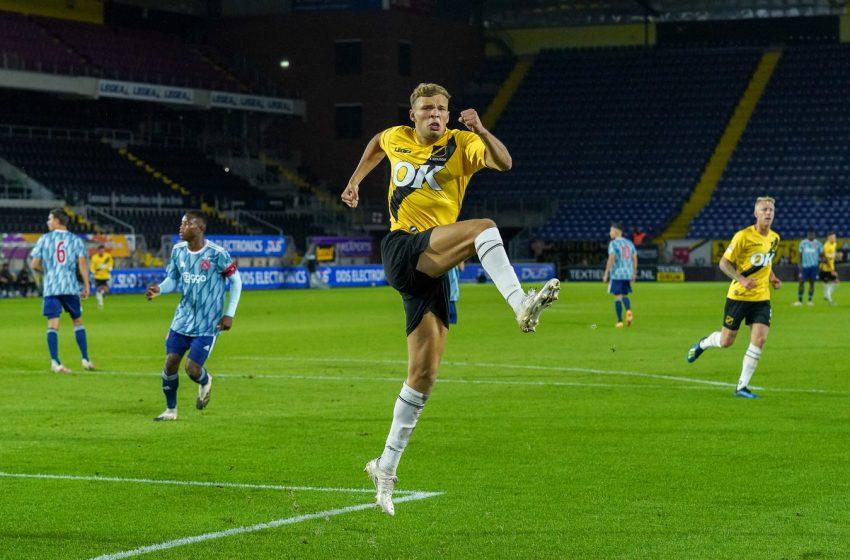 Com hat-trick de Sydney van Hooijdonk, NAC Breda bate Jong Ajax por 4 a 0