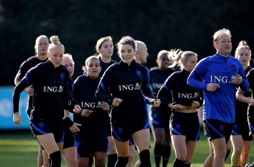 KNVB quer que jogadoras da seleção treine em Zeist durante paralisação da Eredivisie Feminina