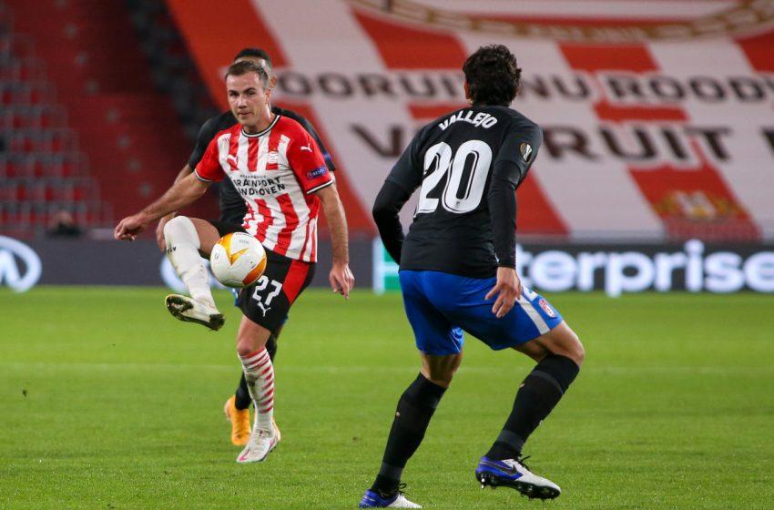 Mario Götze deixa jogo do PSV com lesão