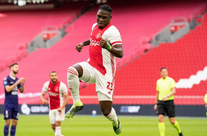 Zakaria Labyad marca duas vezes e Ajax vence Heracles por 5 a 0