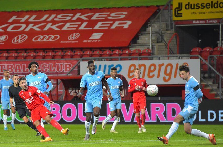 PSV sai na frente, mas FC Twente empata no final