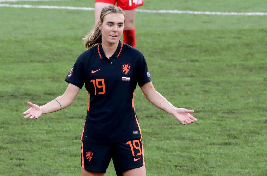 Com o retorno de Jill Roord e Sari van Veenendaal, Sarina Wiegman divulga convocação holandesa