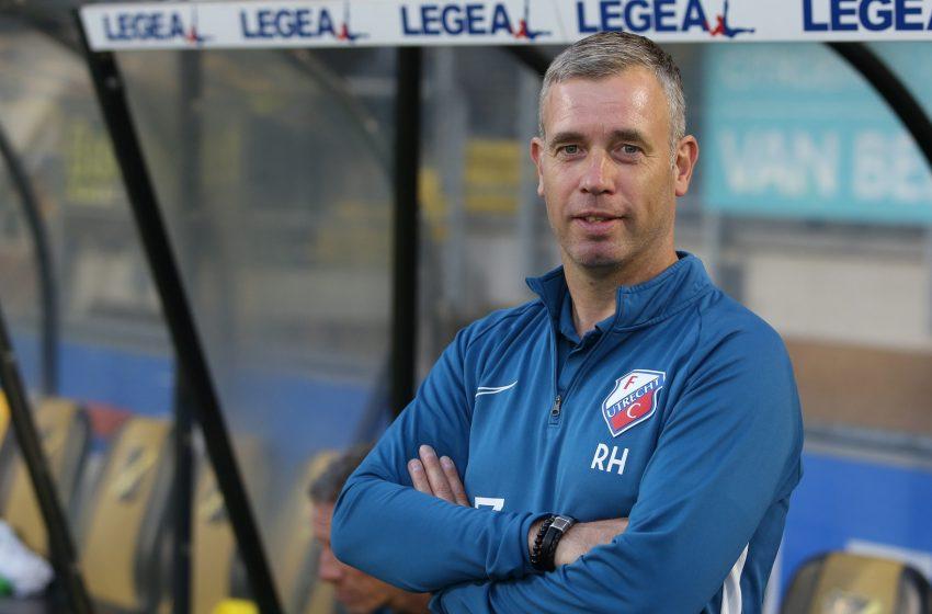 FC Utrecht efetiva René Hake como treinador do time principal