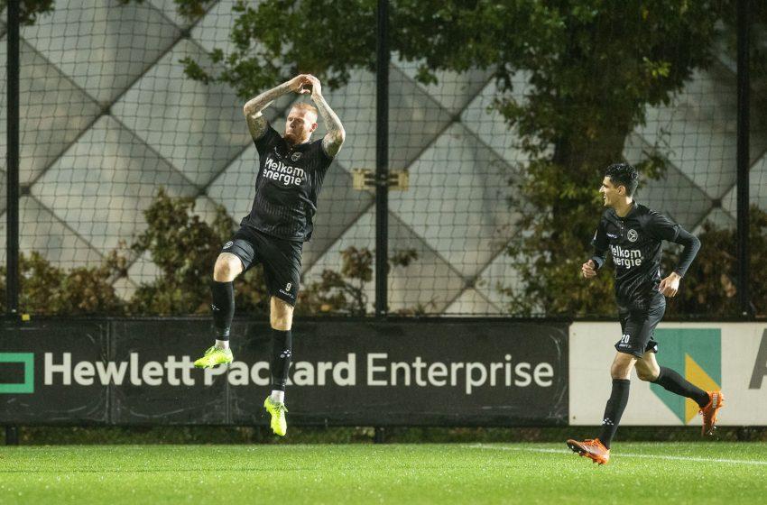 Almere City FC bate Jong Ajax em Amsterdã e assume a liderança da segunda divisão