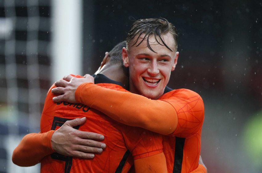 Kaj Sierhuis faz um hat-trick e Holanda U21 bate Bielorrússia por 5 a 0