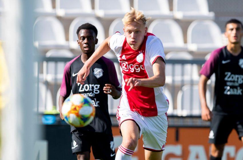 Ajax renova contrato de joia da base