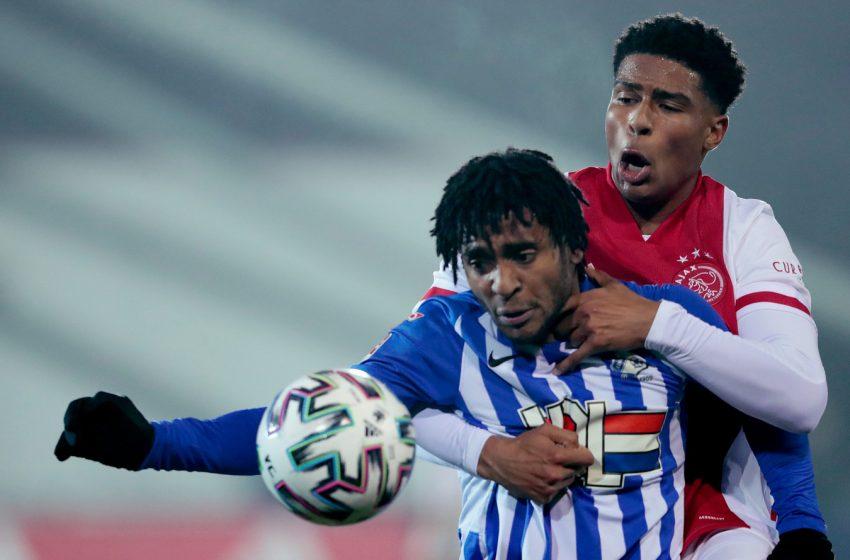 Nos acréscimos, FC Eindhoven empata partida contra o Jong Ajax