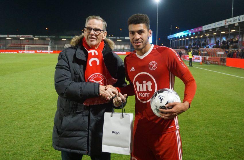 FC Groningen tentará tirar Radinio Balker do Almere City FC
