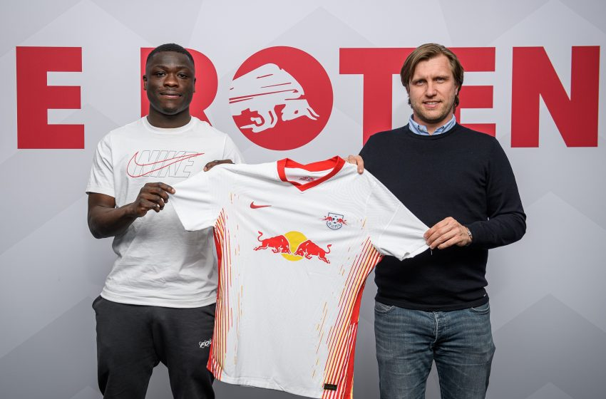 Brian Brobbey assina com o Red Bull Leipzig
