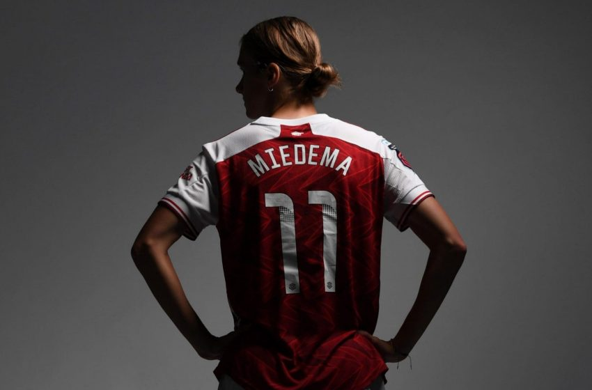 Vivianne Miedema eleita a melhor jogadora de todos os tempos na Inglaterra