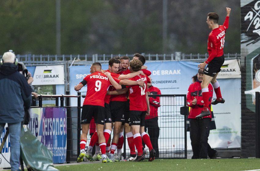 Alec Van Hoorenbeeck garante vitória nos acréscimos do Helmond Sport diante do FC Eindhoven