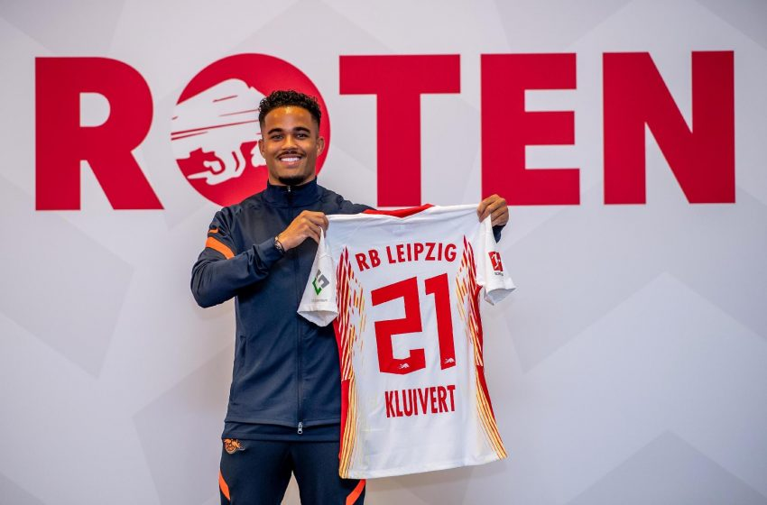 Justin Kluivert fala sobre duelo entre Ajax e AS Roma pela UEFA Europe League