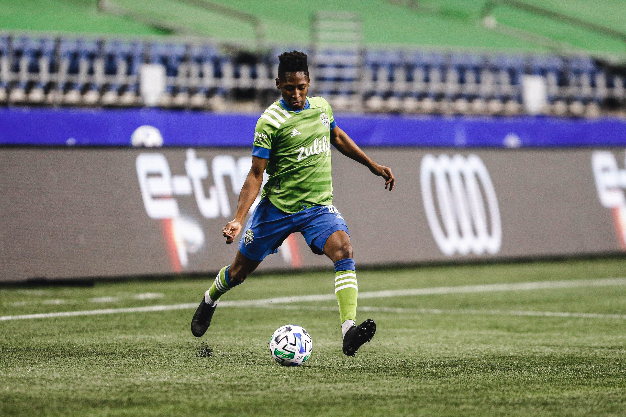 Oct 22, 2020; Seattle, Washington, USA; Seattle Sounders FC defender Kelvin Leerdam (18) passes against the Portland Timbers during the first half at CenturyLink Field. Mandatory Credit: Jennifer Buchanan-USA TODAY Sports