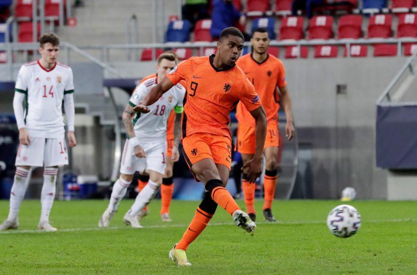 Por condições física, Brian Brobbey não foi titular diante da Hungria U21
