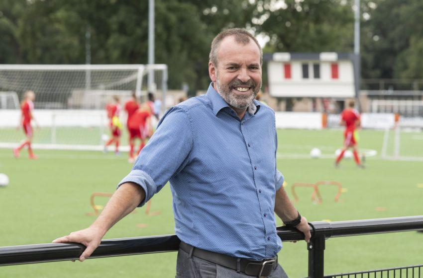 René Roord assina por mais três temporadas com o FC Twente Feminino