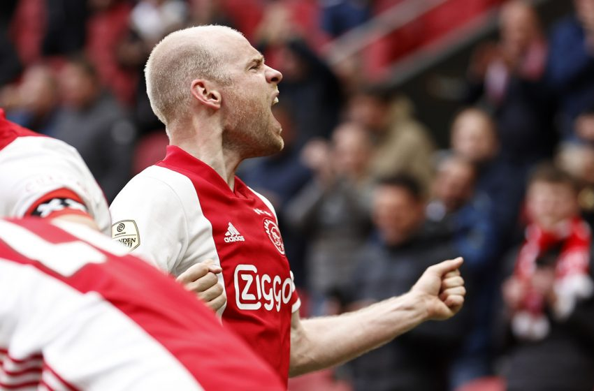 """No """"De Topper"""", Davy Klaassen marca duas vezes e garante vitória do Ajax"""