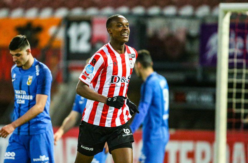 Emanuel Emegha marca seu primeiro gol como profissional e Sparta Rotterdam vence Vitesse por 3 a 0