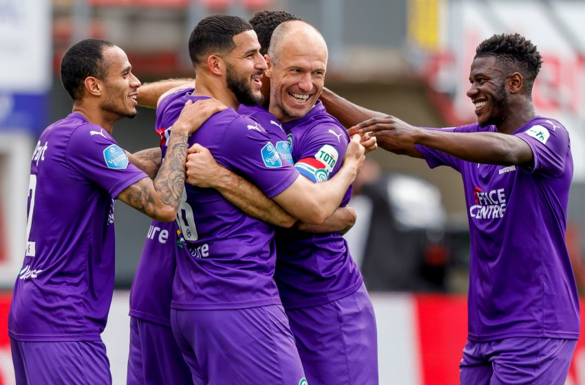 Arjen Robben brilha e FC Groningen vence FC Emmen por 4 a 0
