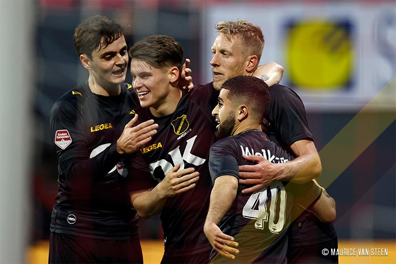 FC Emmen perde nos pênaltis para o NAC Breda e está rebaixado para a Keuken Kampioen Divisie