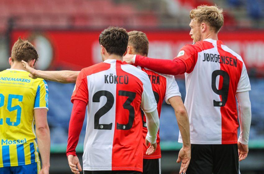 Dick Advocaat faz alguns testes e Feyenoord venceu RKC Waalwijk por 3 a 0