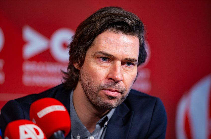 John de Jong renova contrato com o PSV