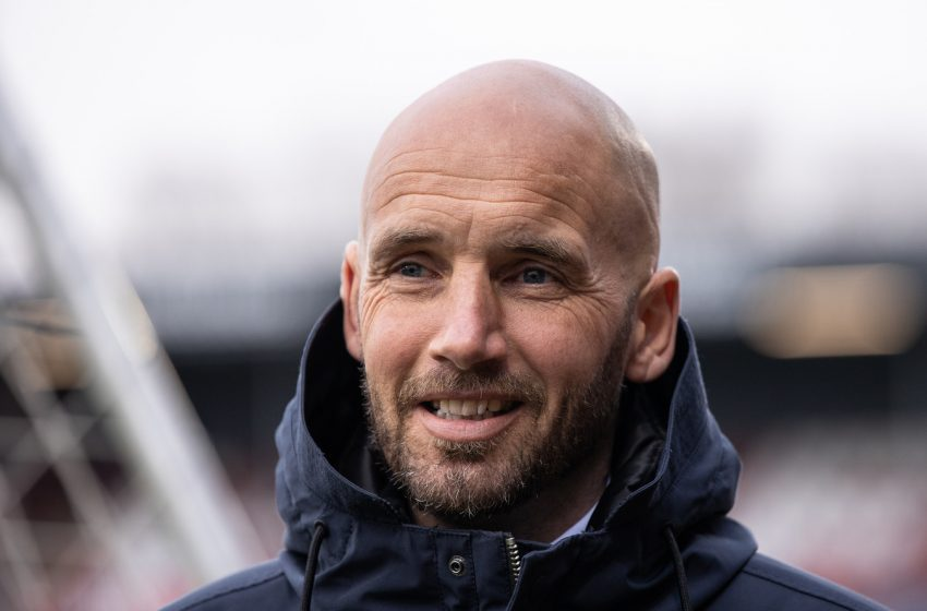 Mitchell van der Gaag se torna auxiliar técnico de Erik ten Hag no Ajax