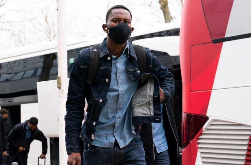 FC Groningen tira Neraysho Kasanwirjo do Ajax