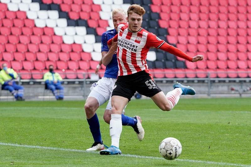 PSV e SC Heerenveen ficam no empate em jogo de quatro gols