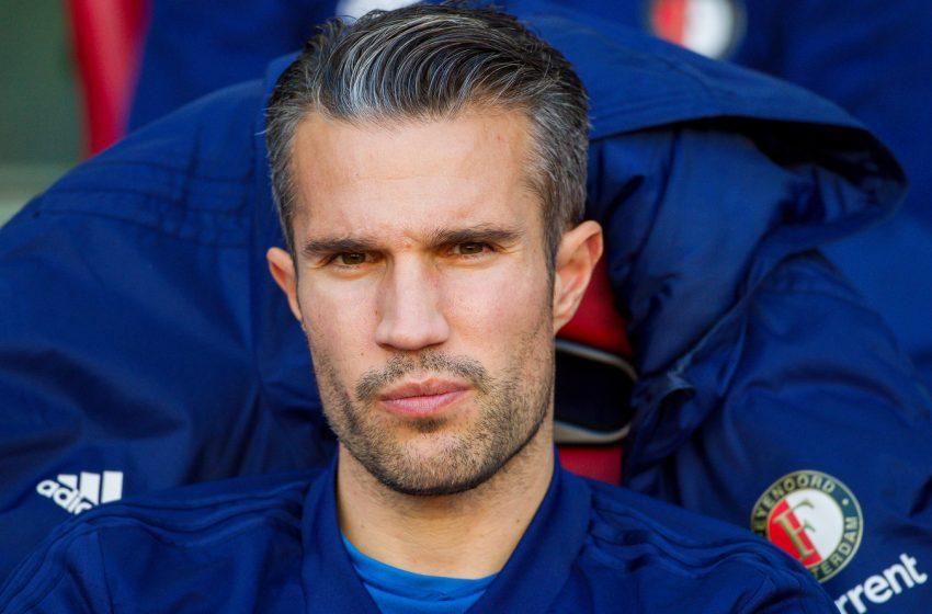Robin van Persie será auxiliar técnico de Arne Slot no Feyenoord