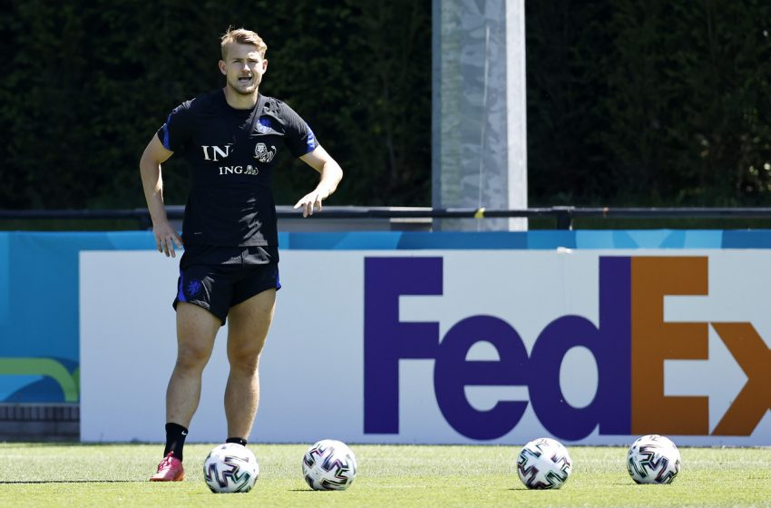 Matthijs de Ligt voltou a treinar com todo o elenco da seleção
