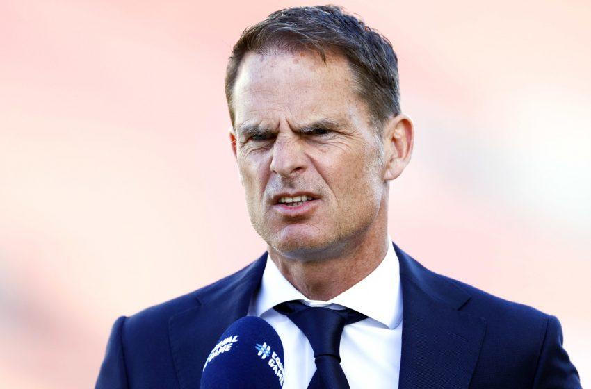 Frank de Boer segue acreditando no esquema com três zagueiros