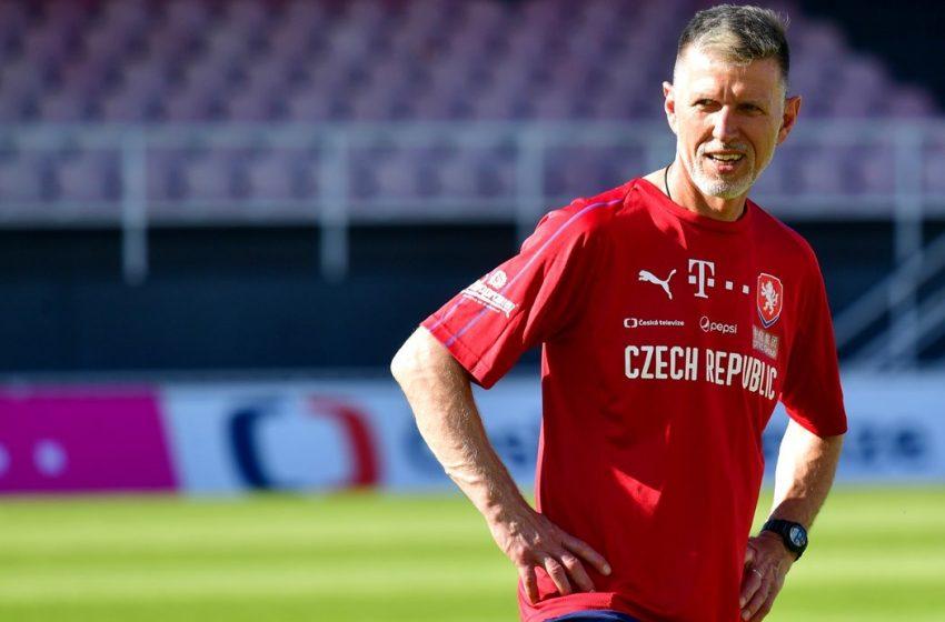 Treinador da República Tcheca acredita que a Holanda é candidata ao título