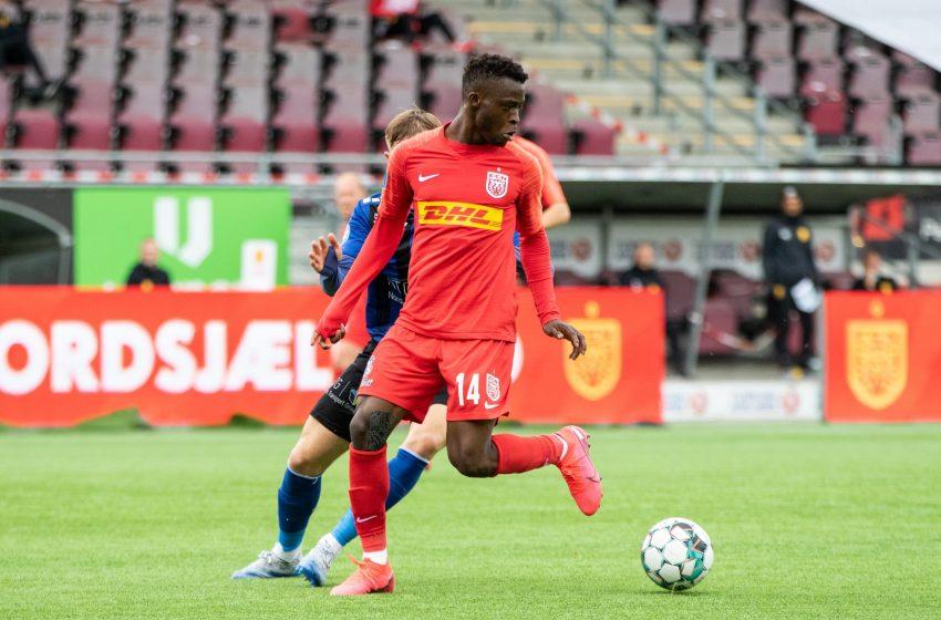Kamaldeen Sulemana está em Amsterdã realizando exames médicos no Ajax
