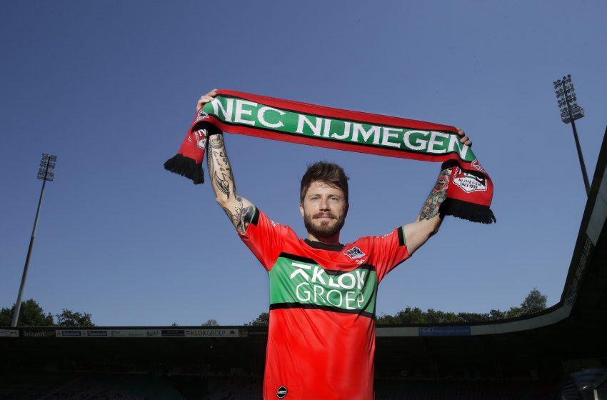 Lasse Schöne assina com o NEC Nijmegen por duas temporadas