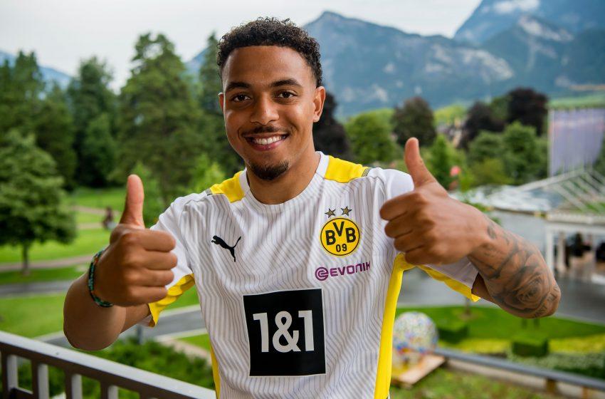 OFICIAL: Donyell Malen assina com o Borussia Dortmund por cinco temporadas