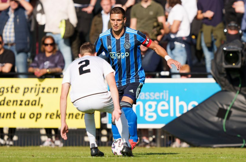 Dušan Tadić continuará no Ajax